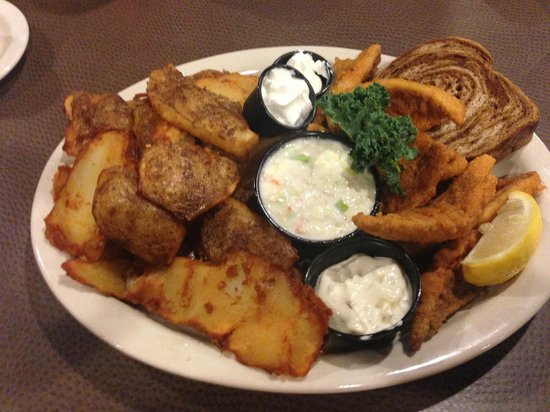 Waupaca woods Restaurant : The INCOMPARABLE  Fresh Lake Perch Fish Fry with Skinned Fries