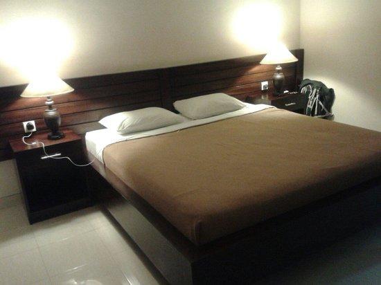 Gerhana Sari 2 Hotel: Upstairs room