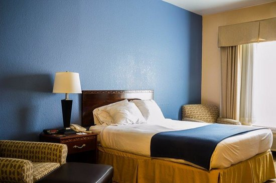 Holiday Inn Express Acme-Traverse City: One Queen Bed Room Accessible with Tub