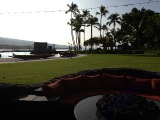 Courtyard by Marriott King Kamehameha's Kona Beach Hotel: restaurant view