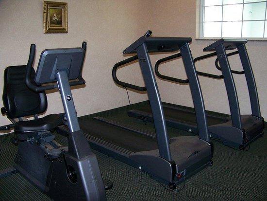 Holiday Inn Express Cadillac: Fitness Center