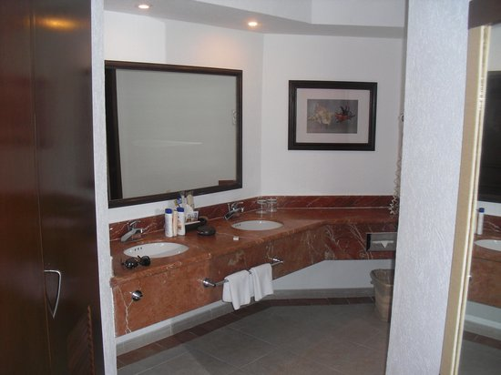 Hotel Marina El Cid Spa & Beach Resort: bathroom