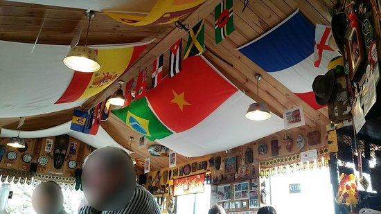La Croix Du Sud restaurant : Déco plafond (31/01/2013)