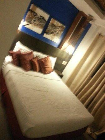 One Azul: Room 203