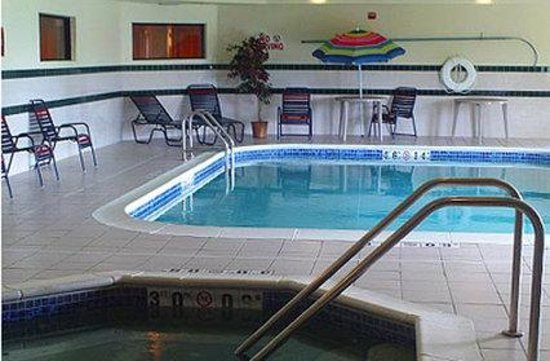 Welcome Hotel and Suites: Pool