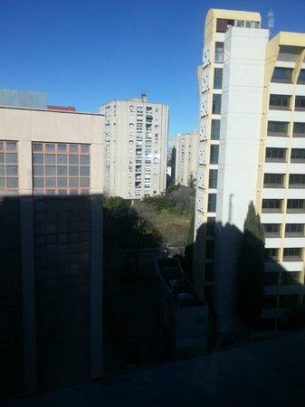 ILUNION Atrium : Vista desde la habitacion 9am