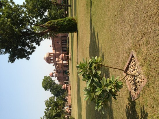 Lallgarh Palace: General view of grounds