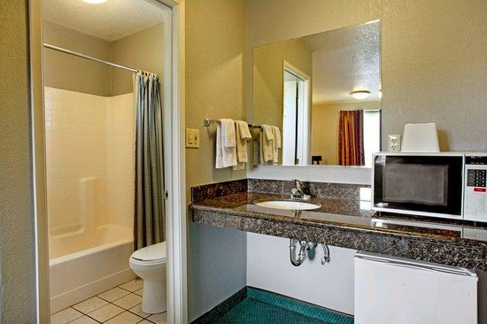 Americas Best Value Inn-Seaside North : Guest Room