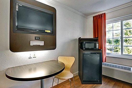 Motel 6 Auburn: Guest Room