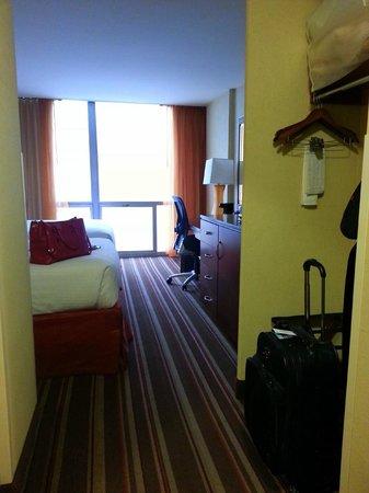 Chicago's Essex Inn: My Room