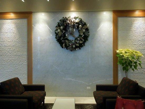 Chicago's Essex Inn: Lobby