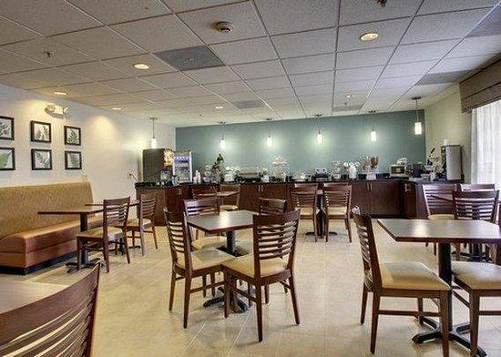 Sleep Inn & Suites Monticello : VAVABreakfast Seating