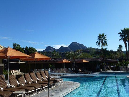 Pointe Hilton Squaw Peak Resort: Pool arae
