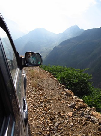 The Bruce Chalet: On the way to Hongmen village