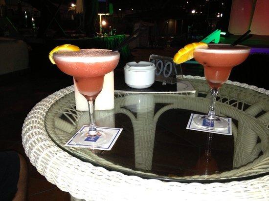 H10 Gran Tinerfe: Cocktails at hotel