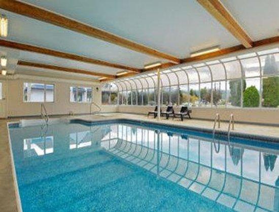 Travelodge Salmon Arm BC: Pool