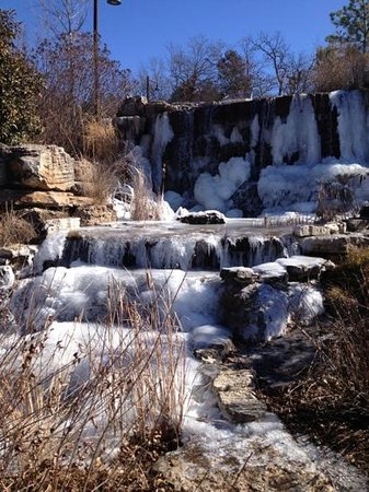 Big Cedar Lodge: Waterfall at Conference Center