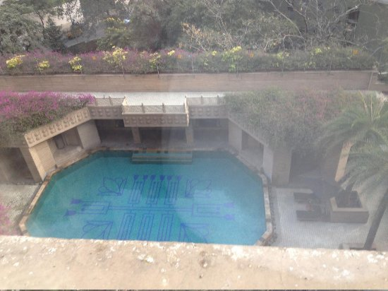 Hyderabad Marriott Hotel & Convention Centre: Pool from room