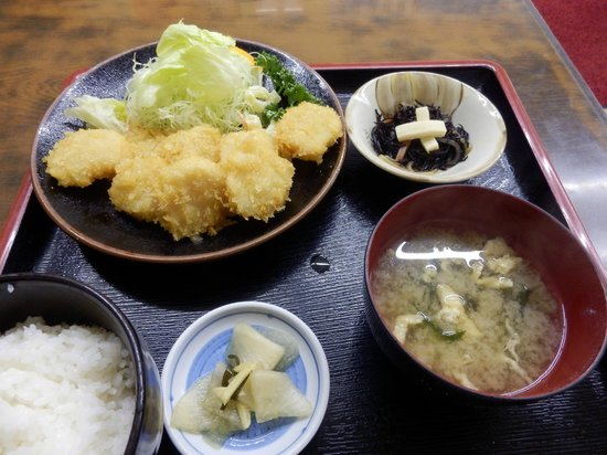 Osanai Shokudo : ホタテフライ定食