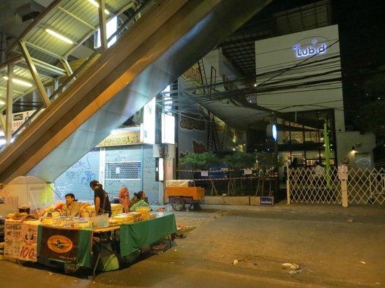 Lub d Bangkok Siam : Front of Lub D