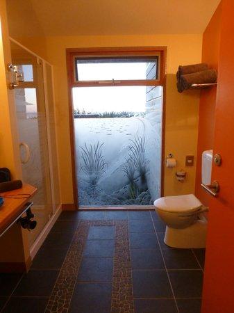 Beachside Retreat West Inlet: Bathroom