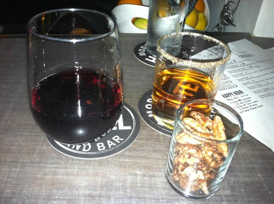 """The Modern Hotel and Bar: Burgundy and a """"Layover"""""""