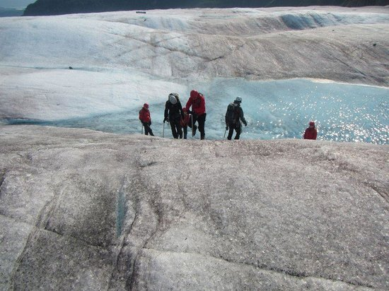 Mendenhall Glacier: Making our way up