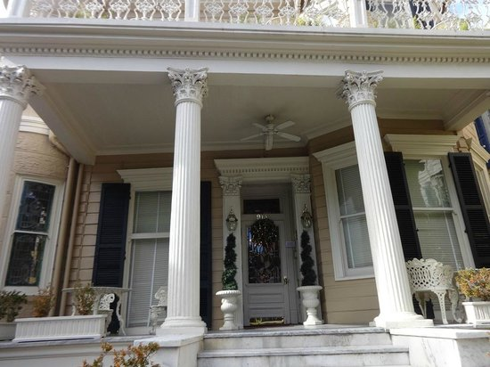 Cornstalk Hotel : Front Porch