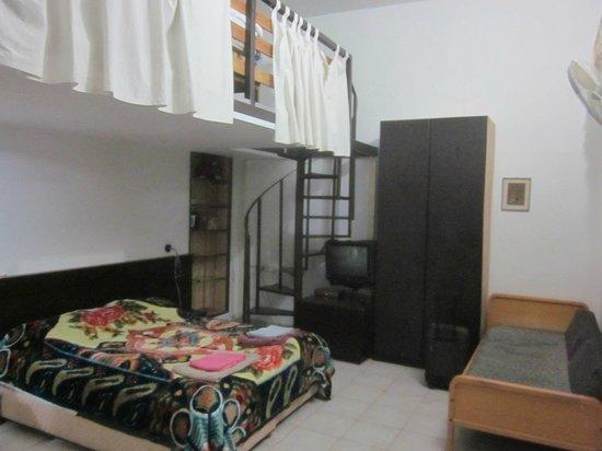 Allenby Bed & Breakfast: 部屋