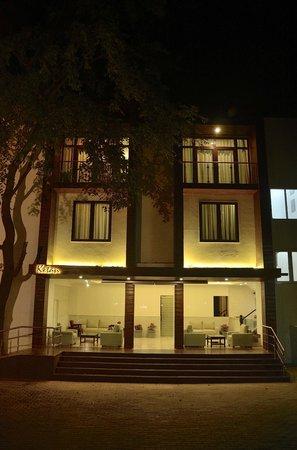 Ketan Hotel : Hotel exterior