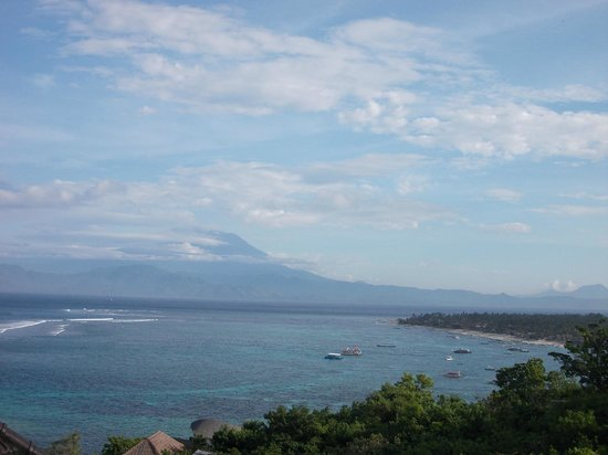 Lembongan Cliff Villas: View of Bali from the Family Villa.