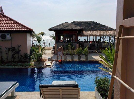 Peace Paradise Beach: Peace Paradise Pool Access room