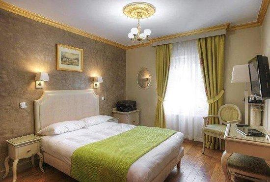 GOLDEN HOTEL PARIS : Guest Room