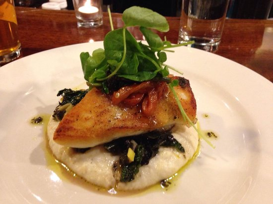 Cabezon Restaurant: Haddock over spinach & polenta