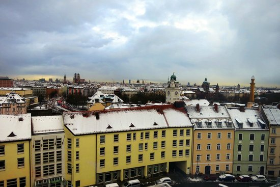 Holiday Inn Munich - City Centre: GREAT View from our room!!!