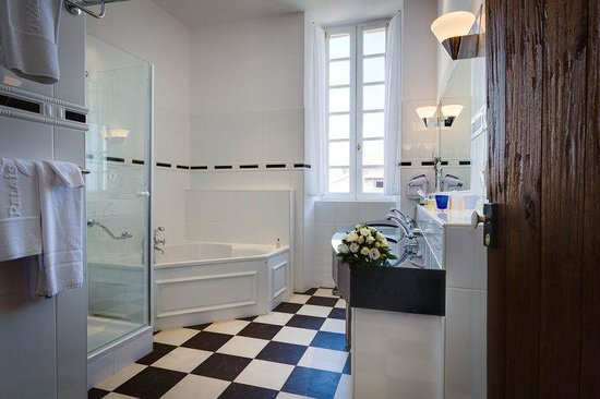 Relais & Chateaux Relais Royal: Bathroom