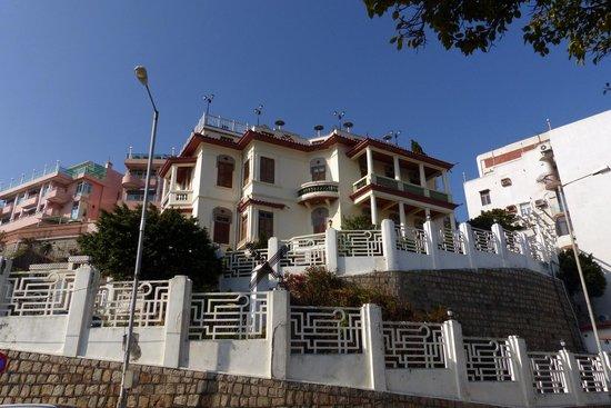 Sai Van Lake: Avenida da Republica buildings
