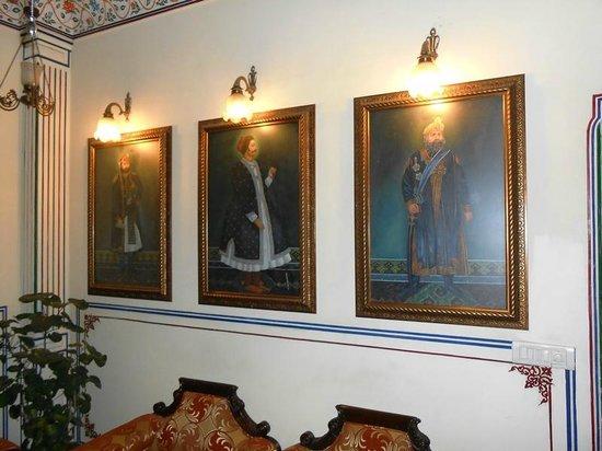 Umaid Bhawan Heritage House Hotel : common Sitting area