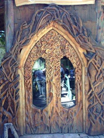 Restaurante Fundo Colonia Suiza: Hermosa puerta en Colonia Suiza!!!!