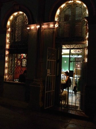Cafe Arcangel: Front entrance at night
