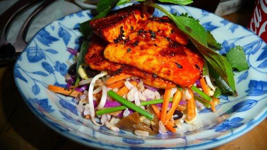 Jaan Bai Restaurant: Fried tofu salad