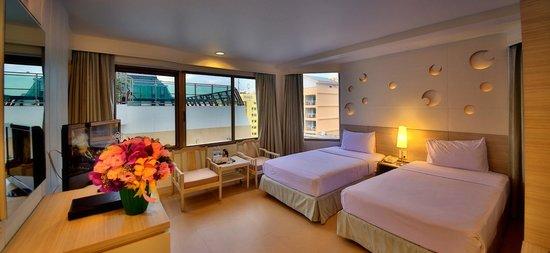 Sunshine Hotel & Residences: Superior Hotel Wing