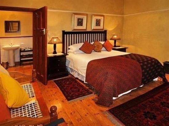 Hide Away Guest House: Room