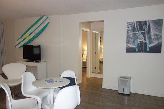 The Aqua Hotel : Гостиная