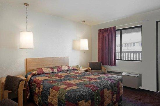 Americas Best Value Inn : Accessible_Room2