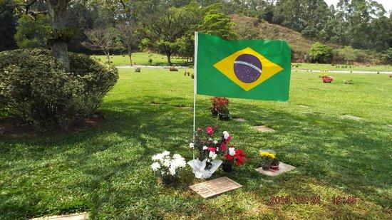 Senna's Grave Morumbi Cemetery: Ayrton Senna's grave