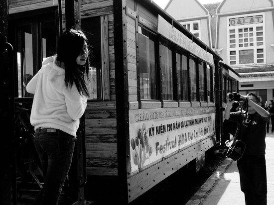 Dalat Railway Station: Lady on the train