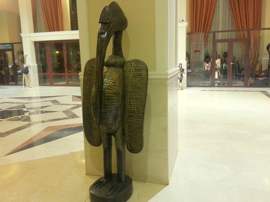 Laico Ouaga 2000 Hotel: Brass Sculpture in the Lobby