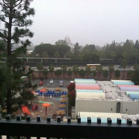 Howard Johnson Anaheim Hotel and Water Playground: 7th floor balcony view from Oct 2013