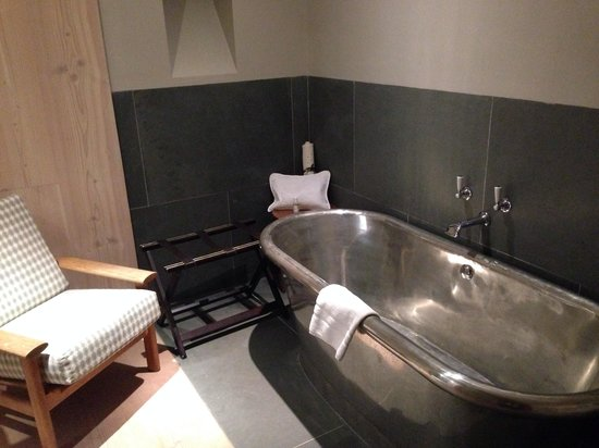 Silver Roll Top Bath In Junior Suite Picture Of The George In Rye